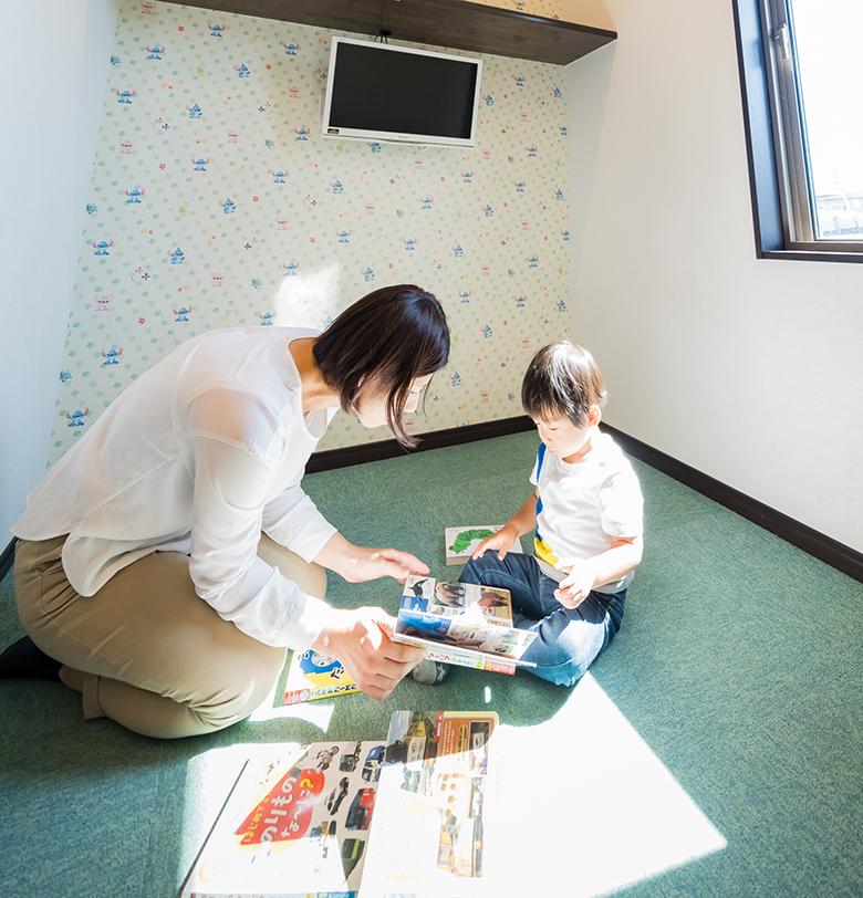 """自分で症状をしっかり訴えられない赤ちゃんや子どもは""""いつもと違うな""""という保護者の方の感覚が大切です。"""